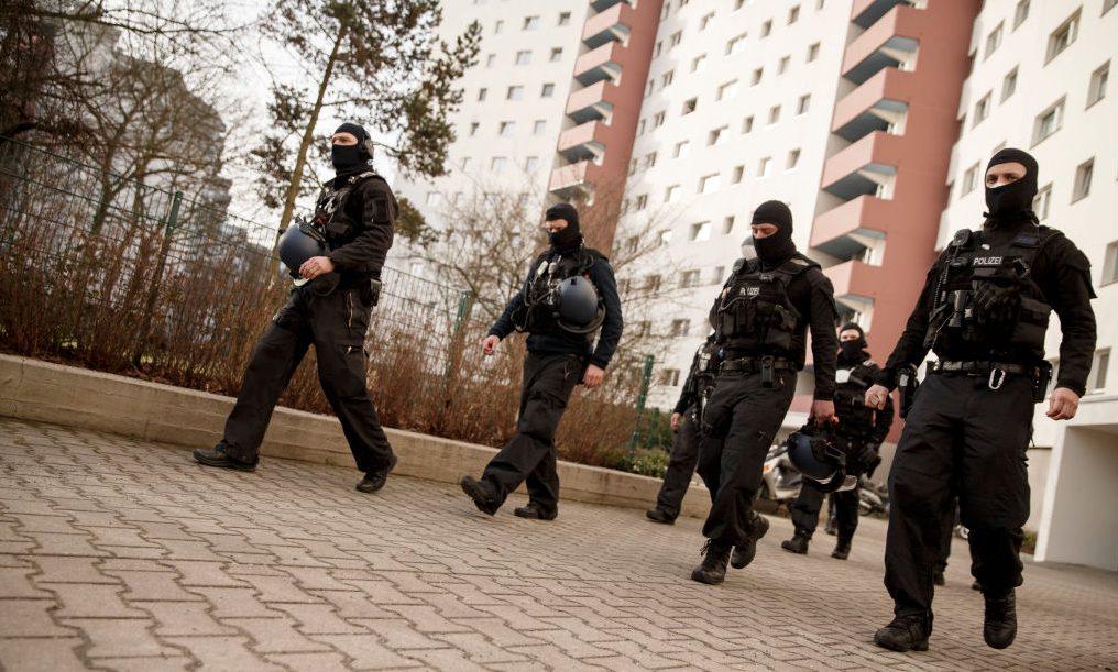 Großrazzia mit 850 Polizisten gegen islamistischen Verein aus Berlin