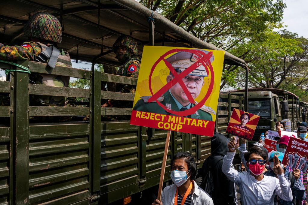 Nachbarschaftswachen zur Verhinderung von Festnahmen in Myanmar – Internet-Blockade bleibt bestehen