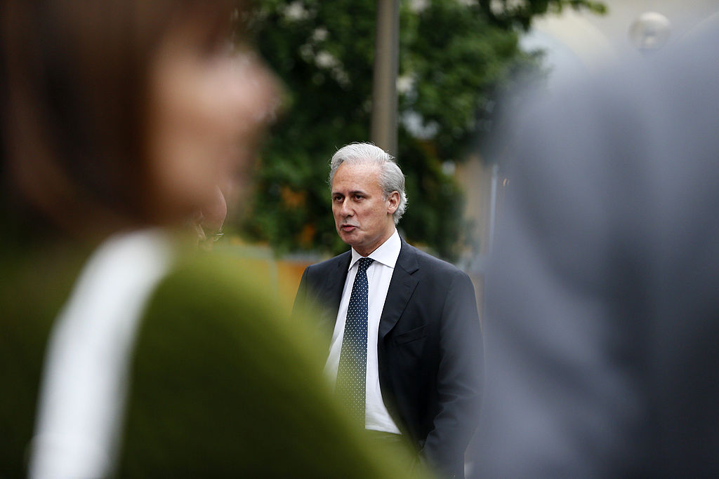 Dreijährige Haftstrafe für französischen Ex-Staatssekretär wegen Vergewaltigung