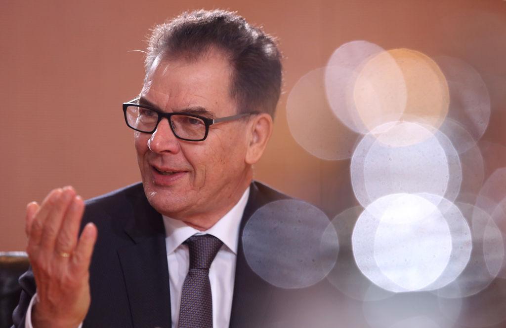 Müller (CSU): Weltweite Impfkampagne darf nicht am Geld scheitern