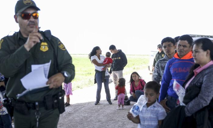 US-Bundesrichter verlängert Blockade von Bidens Abschiebestopp für illegale Migranten