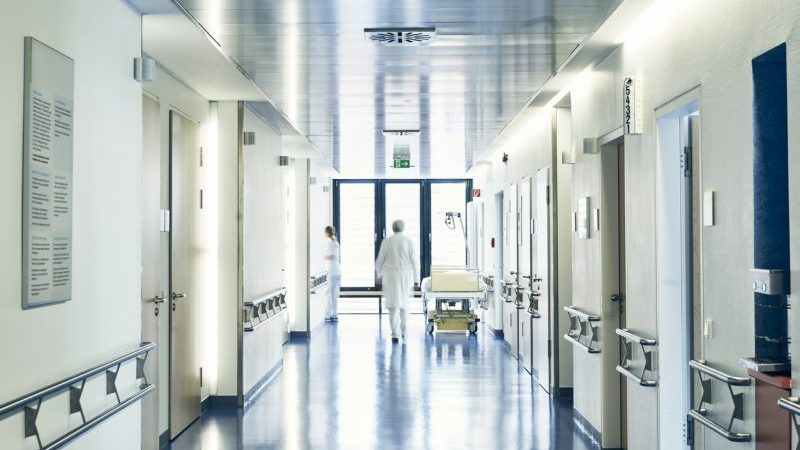 DIVI-Präsident: Entspannung auf Intensivstationen – bisher nur 44 Patienten verlegt