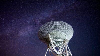 Neues Weitwinkelteleskop in Chile soll Informationen über Urknall liefern