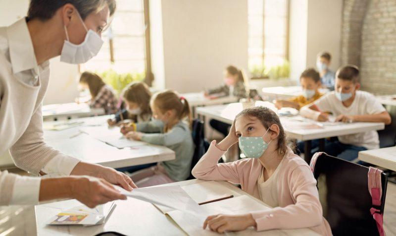 NRW will allen Grund- und Förderschulen Corona-Lolli-Tests anbieten