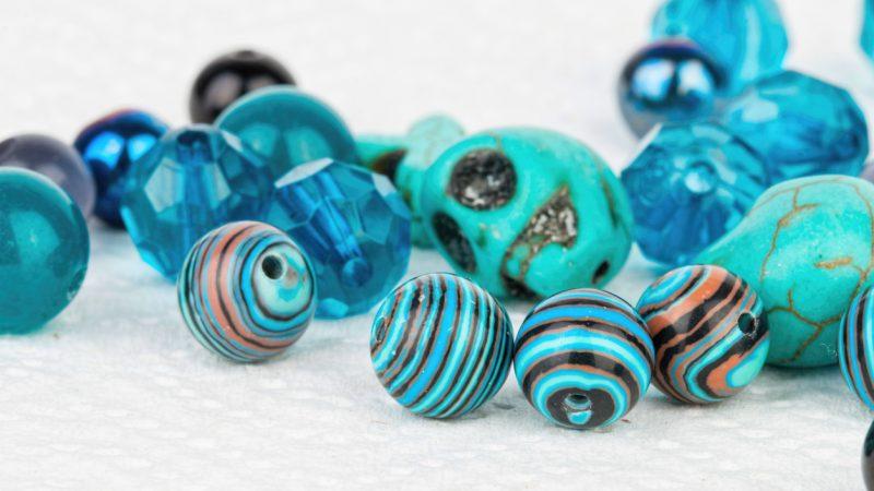 Blaue Glasperlen