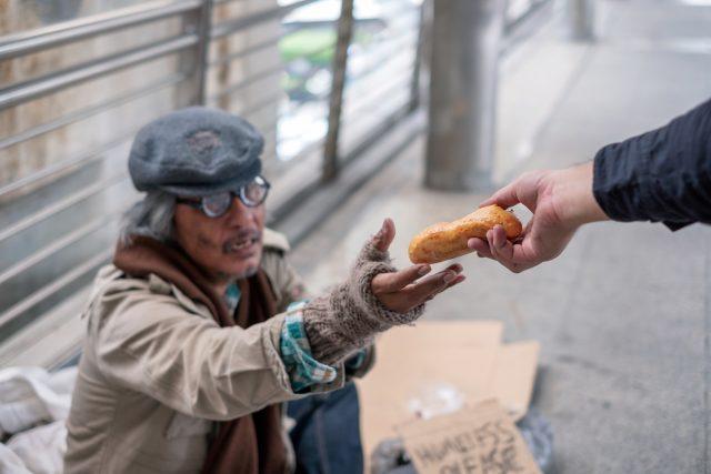 Schon fast ein Genozid: Lockdowns führen laut Oxfam bis zu 12.000 Hungertoten pro Tag zusätzlich