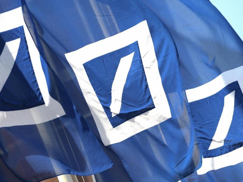 Deutsche Bank erwartet Millionenverlust wegen Gebührenurteil  – Erhöhung wird trotzdem durchgesetzt