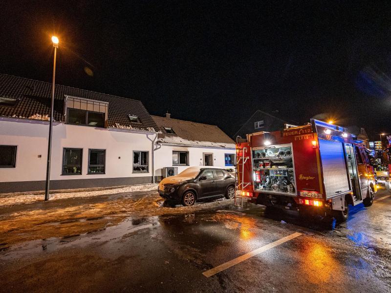 Fünf Leichen nach Wohnhausbrand gefunden