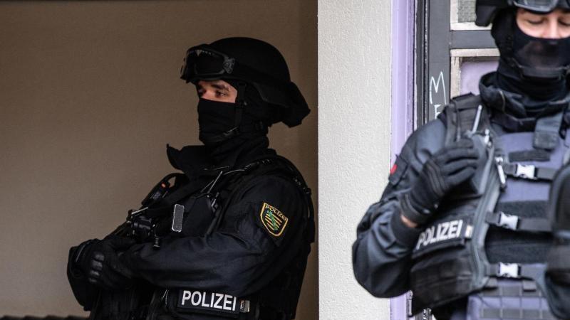 Drogen- und Waffenhandel:Großrazzia gegen Clankriminalität – Zwei Festnahmen