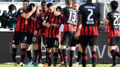 Titelkampf wieder spannend: Bayern straucheln in Frankfurt