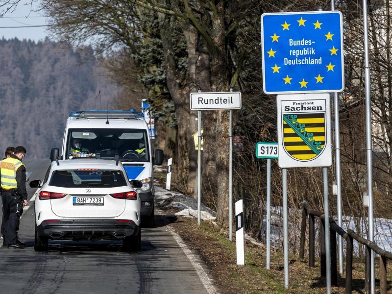 Tschechien und Tirol: Fast 16.000 Personen bei Grenzkontrollen abgewiesen