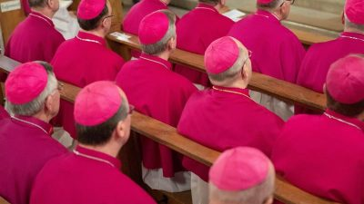 Deutsche Bischöfe beraten in Fulda über Reformprozess