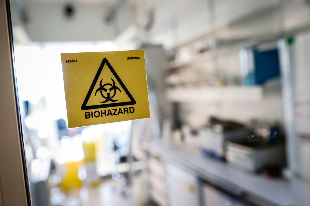 Unbekannte Impf-Hersteller ohne bisherige Erfolge – und mRNA-Impfstoffe als Biowaffen