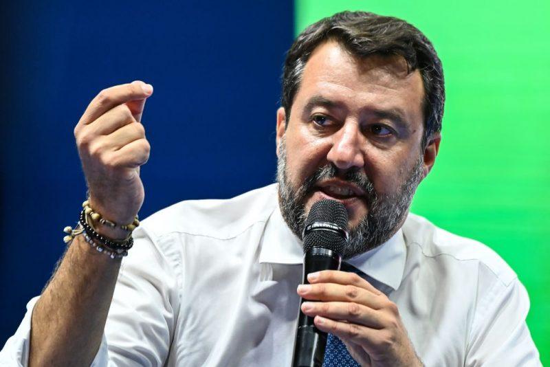 Staatsanwaltschaft fordert Prozess gegen Salvini wegen Blockade eines NGO-Schiffes mit Migranten