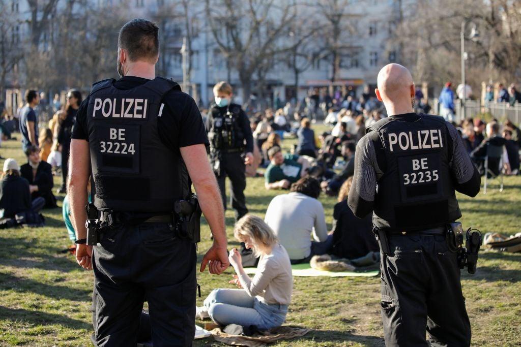 Polizei gegen private Veranstaltungen: Einsätze in Saarbrücken, Freiburg und Lüneburg