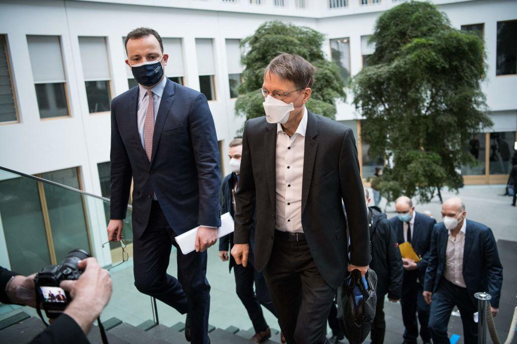 """Spahn kündigt mögliche Lockdown-Verschärfungen an – """"Dritte Welle durch Impfungen nicht zu stoppen"""""""