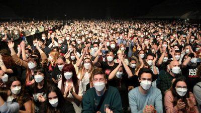 Weil und Schwesig: Einheitliche Corona-Regeln für Feste gefordert