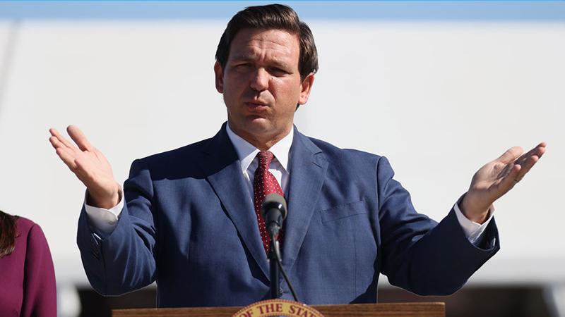 """""""Völlig inakzeptabel"""": Floridas Gouverneur will Impfpässe verbieten"""
