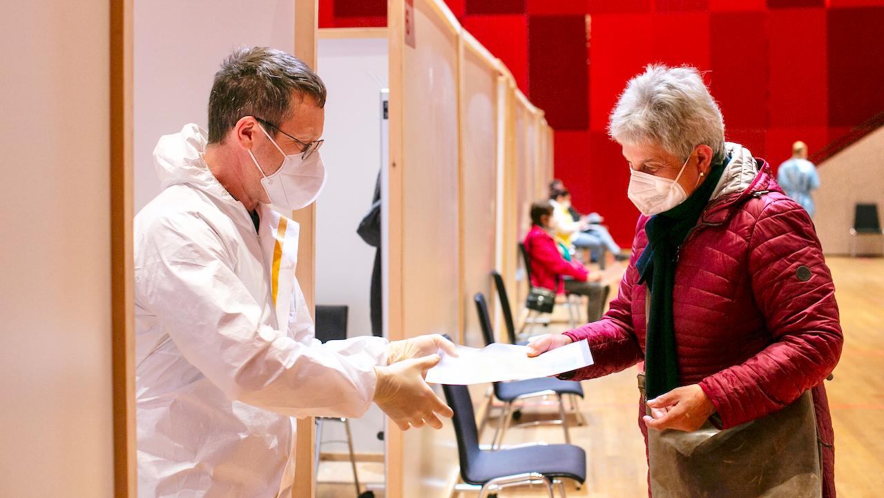 Impfstreit: Österreich zieht obersten Beamten aus Impfprogramm ab