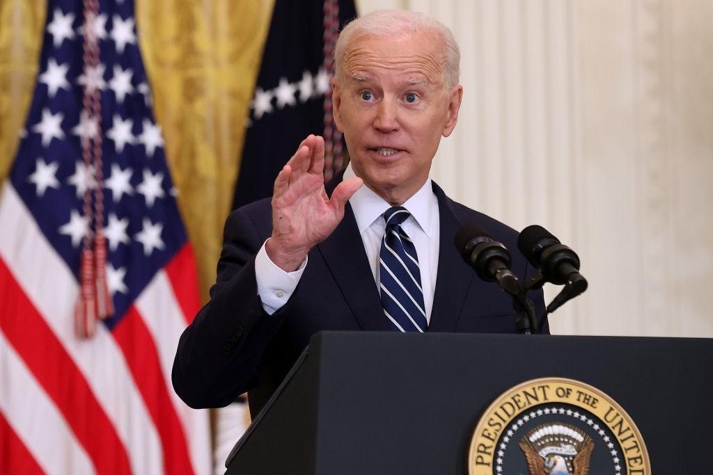Biden fordert von US-Bundesstaaten: Maskenpflicht beibehalten – Pläne zur Wiedereröffnung stoppen