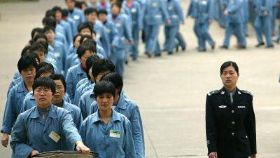 Exil-Uigurin berichtet über Lager und Folter in China – Peking bestreitet Vorwürfe