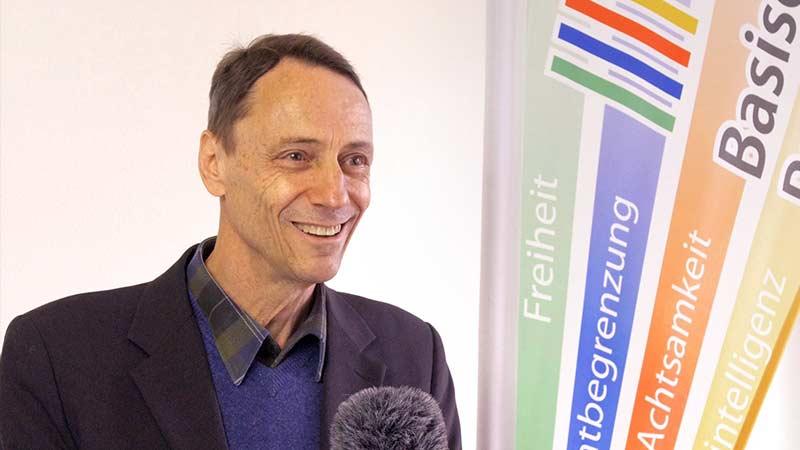 """Medizinprofessor Sönnichsen tritt in """"DieBasis"""" ein: """"Das Maß ist voll"""""""
