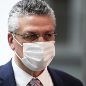 RKI fordert Maskentragen mindestens bis Herbst – Hälfte der Deutschen bisher geimpft