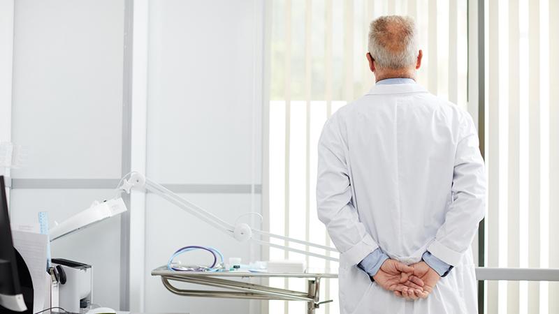 Schweigender Rückzug: Die Impfkampagne verliert ihre Ärzte