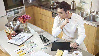 """CEOs rechnen erst 2022 mit Rückkehr zur """"Normalität"""" – Dürfen nur noch Geimpfte künftig ins Büro?"""