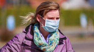 Nürnberg: Rechtsanwalt klagt sich aus der Maskenpflicht im Freien