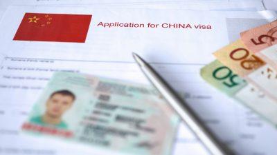 Peking bearbeitet wieder Visa-Anträge: Voraussetzung ist Impfung mit chinesischem Impfstoff