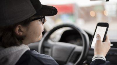 Elfjähriger stiehlt Auto vor Imbiss in Gifhorn