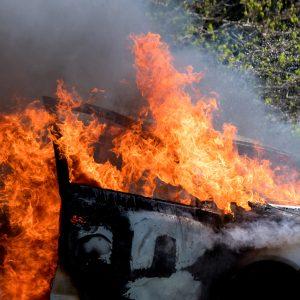 """Brandanschlag in Leipzig – """"Letzte Warnung"""" an Berlin: """"Wenn ihr die Rigaer anrührt brennt die Stadt!"""""""