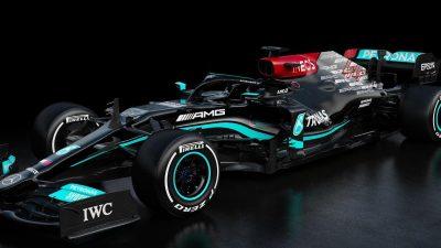 Weltmeister Hamilton in schwarzem Mercedes auf Titeljagd
