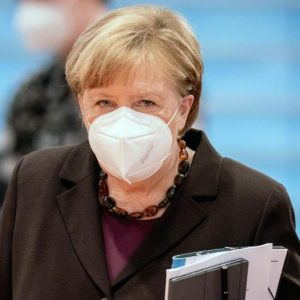 Merkel will Lockdown bis zu den Osterferien verlängern – Pflegedienstleiterin klagt in Bayern erfolgreich gegen Testpflicht