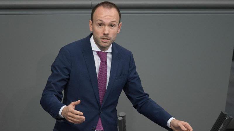 CDU-Politiker Löbel legt Bundestagsmandat nieder – Linke will eigene Abgeordnete überprüfen