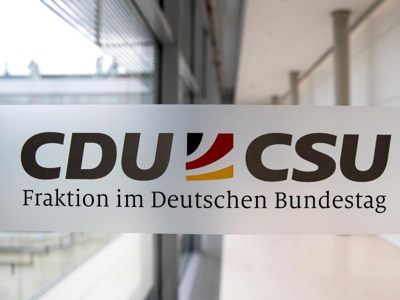 """Kein Geld für Linksextreme: Union blockt """"Demokratiefördergesetz"""""""