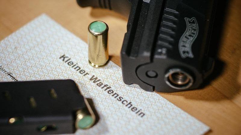 Zahl der Kleinen Waffenscheine in Deutschland gestiegen