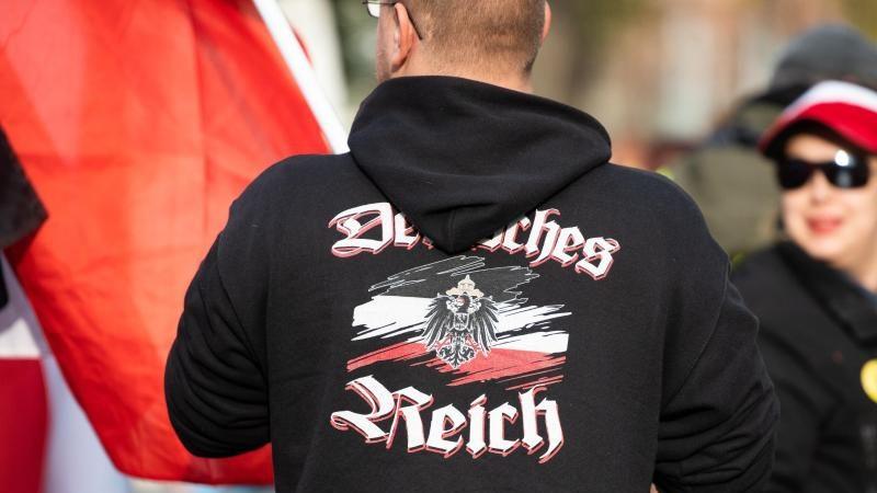 """Regierung: Nur wenige """"Reichsbürger"""" sind Rechtsextremisten"""