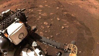 """Rover """"Perseverance"""" schickt Audio-Aufnahme von Mars-Fahrt"""