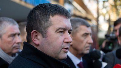 Tschechien weist 18 russische Diplomaten nach Munitionslager-Explosion aus