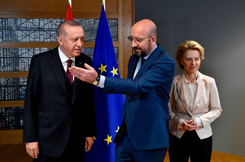 """""""Ähm"""" – Kein Sessel für von der Leyen neben Erdogan: Brüssel verärgert über Behandlung von EU-Kommissionschefin"""