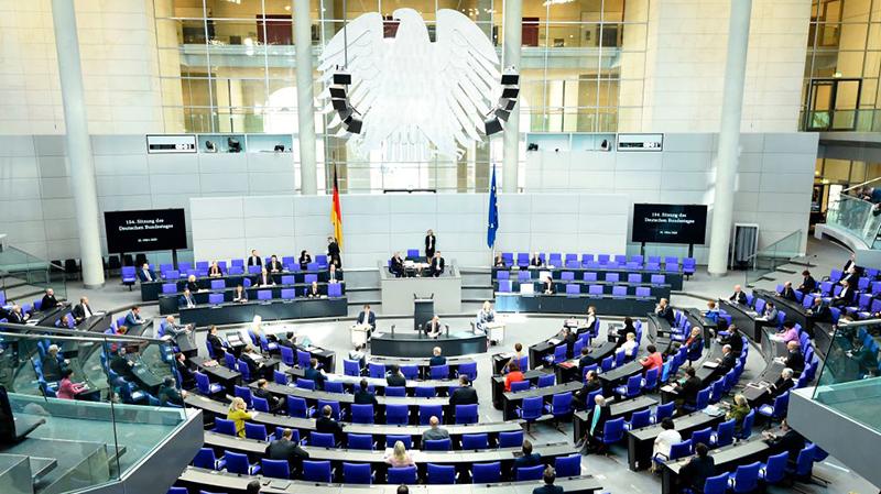 Bundestag segnet mögliche post-pandemische Einreisebeschränkungen ab