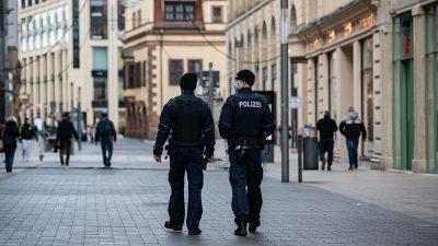 Sachsen setzt 1.700 Polizeikräfte ein um Verbot der Querdenken-Demonstration durchzusetzen