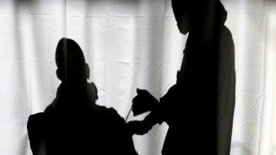 Geimpfte sind anfälliger für die südafrikanische Variante als Nicht-Geimpfte