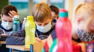 Maskenpflicht für Kinder – Professor: Schaden größer als Nutzen