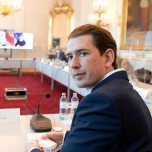 Krisen rund um Kanzler Kurz: Korruptionsvorwürfe und 2.500 schlüpfrige Fotos auf Handy von Intimus