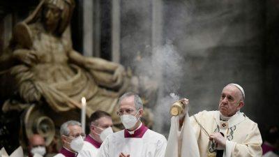 """Papst spendet Segen """"Urbi et Orbi"""" erneut unter Corona-Bedingungen"""