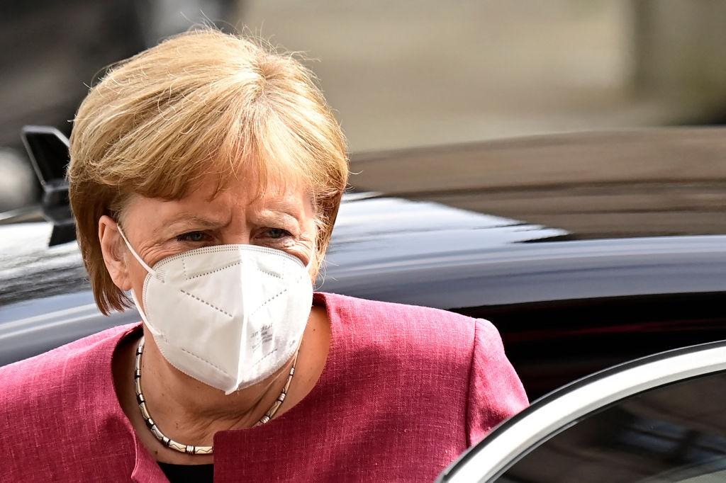 """Merkel befürchtet """"Anklagegipfel"""" – Geimpfte und Getestete werden nicht die gleichen Rechte bekommen"""
