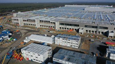 Tesla kritisiert deutsche Bürokratie und bedient sich der Deutschen Umwelthilfe
